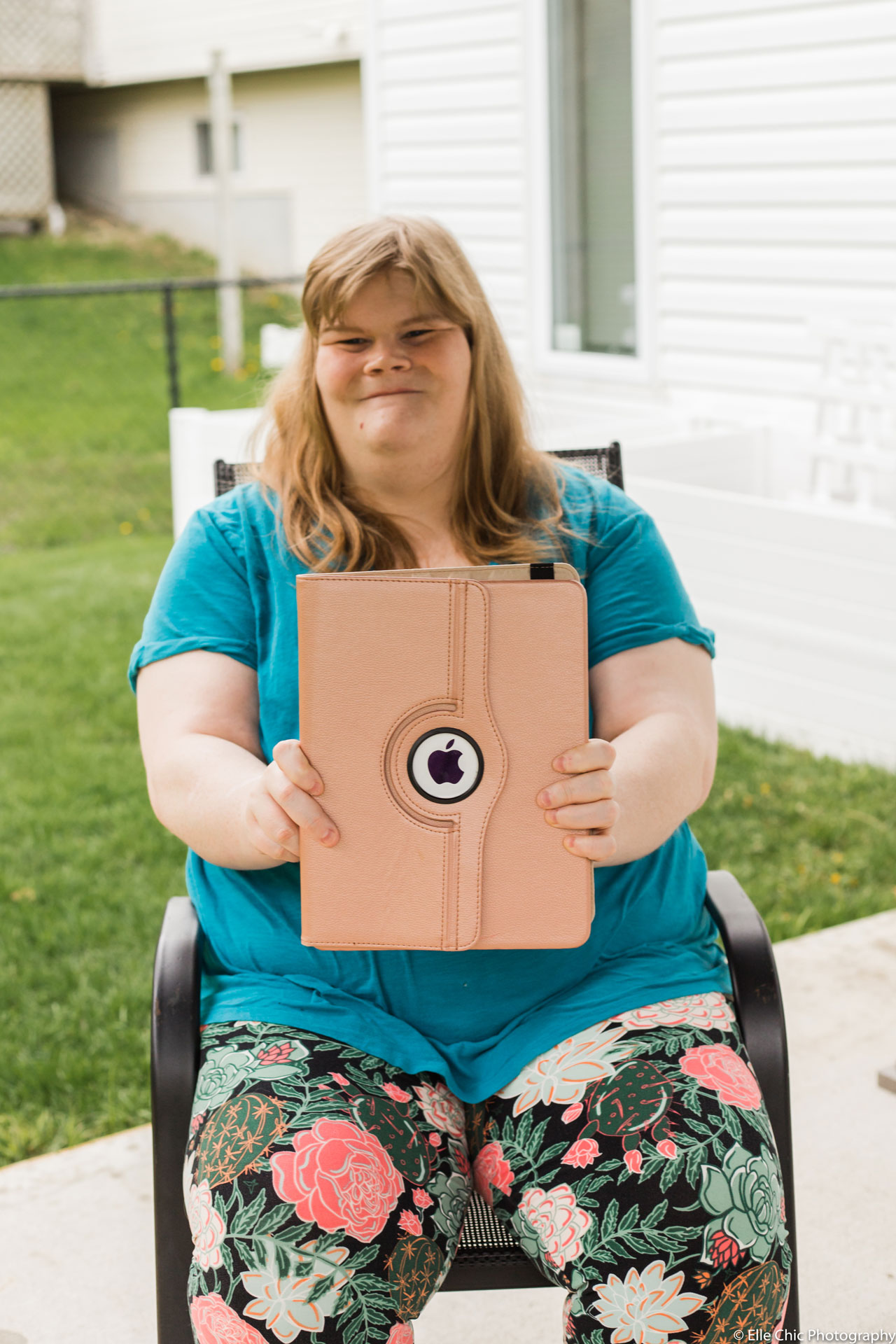 we've got this, photo series, one year later, covid-19, community living guelph wellington, elle chic photography, guelph ontario, disability, frontline heroes, megan, cat lover, animals
